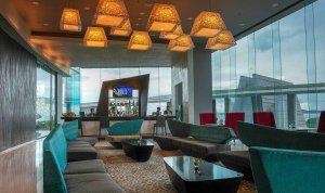 Nikmati kopi di lounge bar Novotel dengan racikan kopi premium. Foto Novotel Lampung